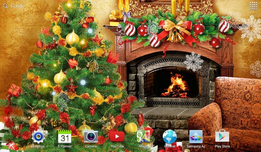 Камин и елка для поднятия новогоднего настроения