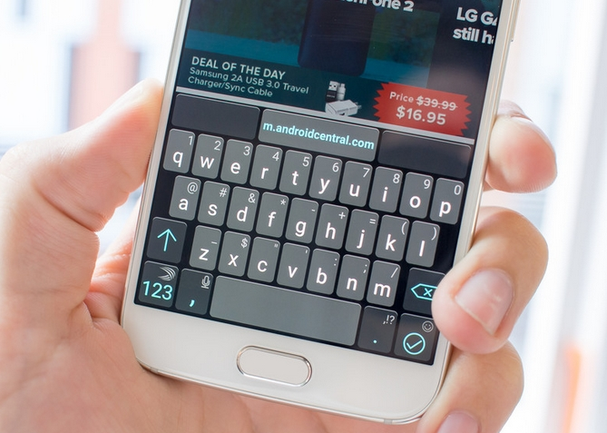 Клавиатура SWIFTKEY подойдет для продвинутых пользователей, которые ценят скорость и комфорт