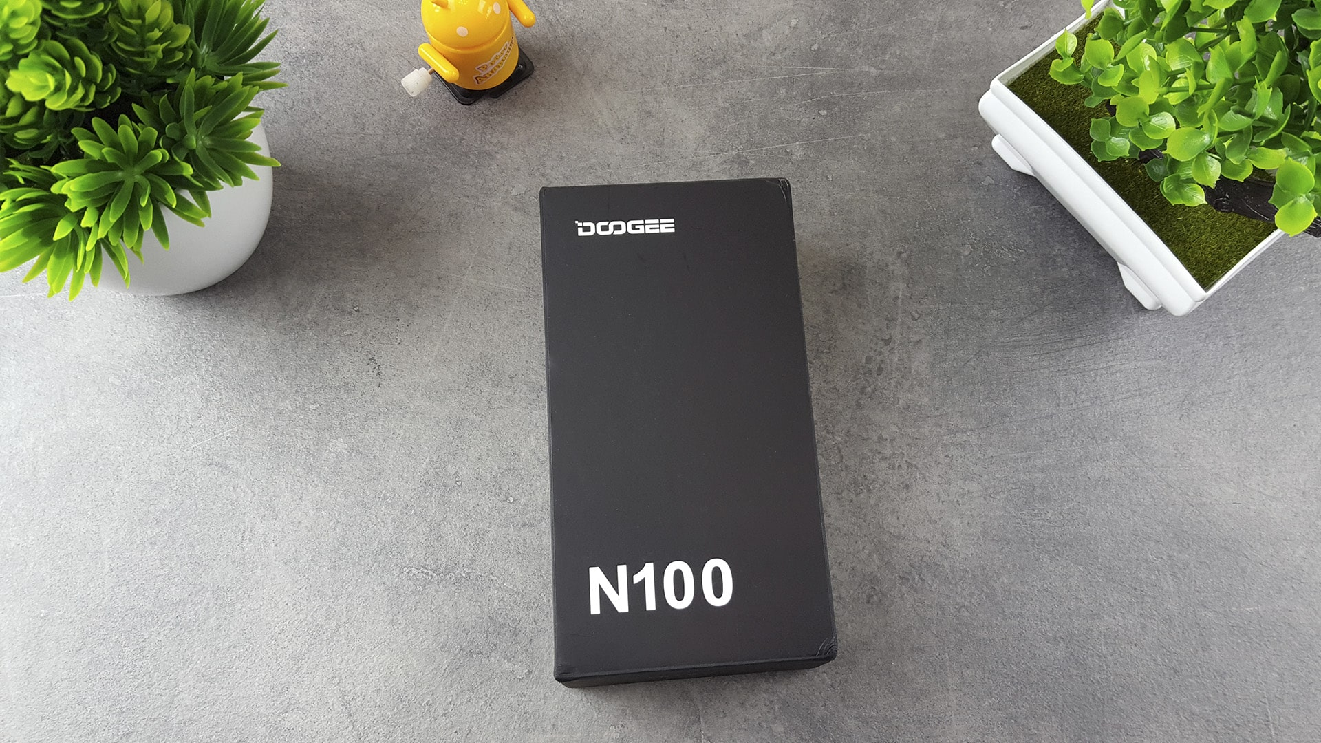 Doogee N100 - коробка