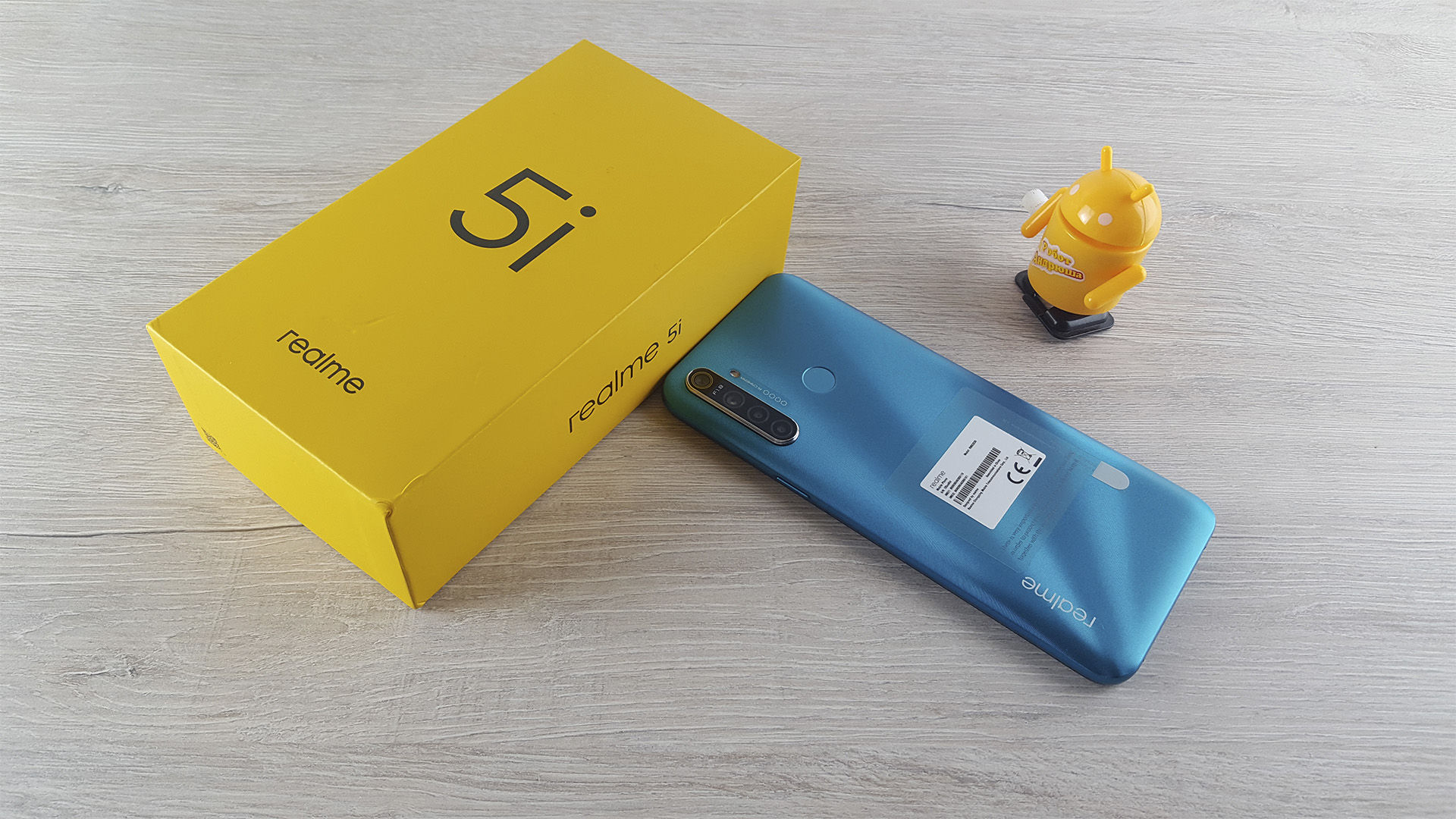 Обзор Realme 5i коробка box