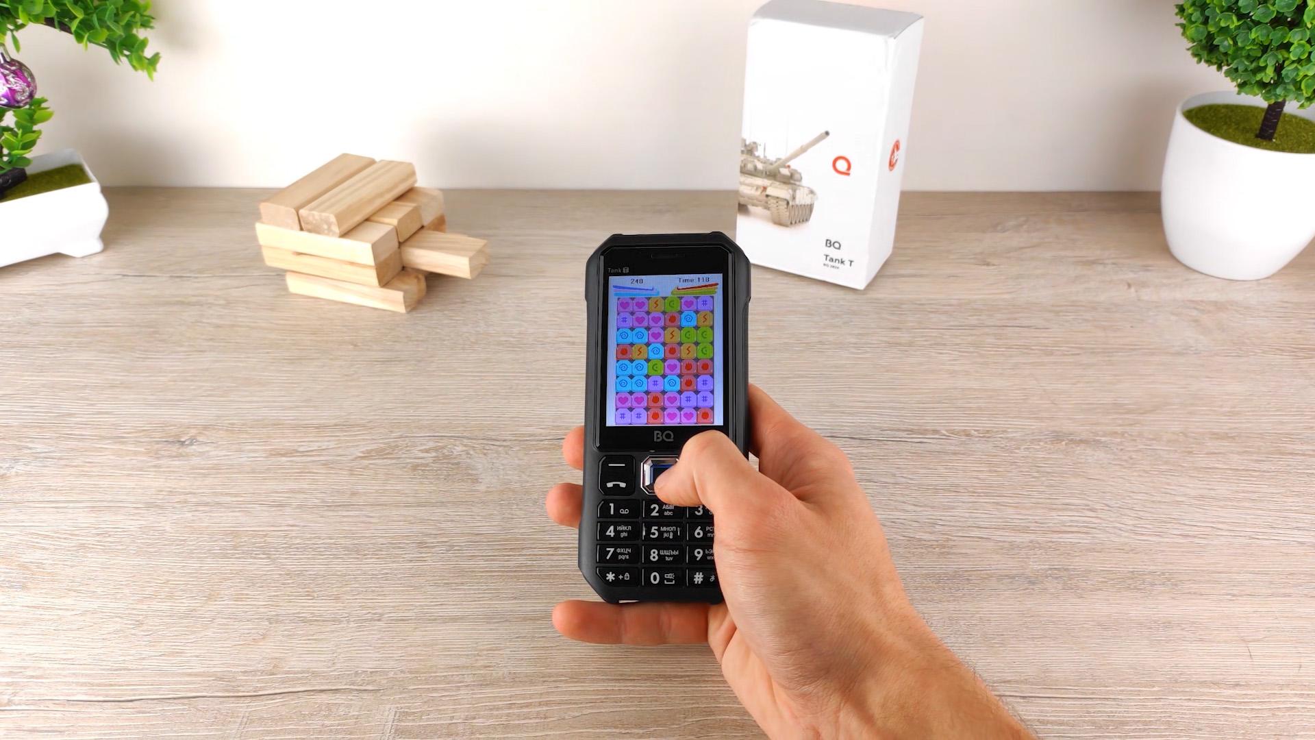 Обзор BQ Tank T игры на телефоне